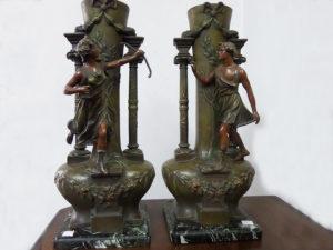 Coppia statue - vasi