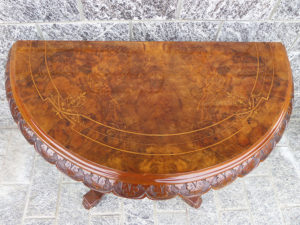 tavolo in radica di noce mezzaluna