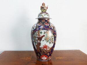 vaso giapponese in porcellana dipinta a mano